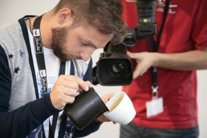 Chris Loukakis, 2011 World Latte Art Champion
